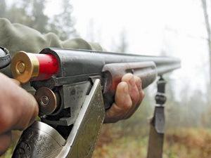 На Харьковщине мужчина с ружьем напал на полицейских